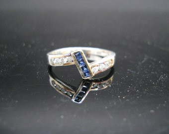 Sterling Silver Crystal Band Ring Size 8 925 Jewelry Blue White Stones Heat Discoloration
