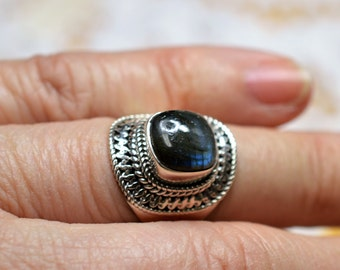 Labradorite Sterling Silver Ring Size 7