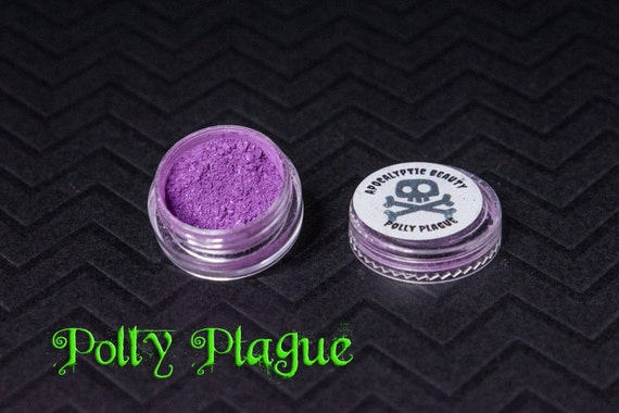 Polly Plague - vegan purple eyeshadow with green iridescence