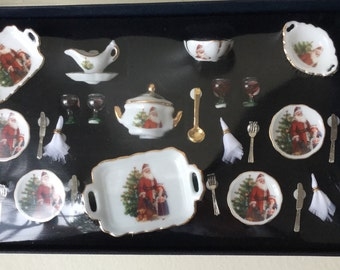 "Dollhouse Miniature Reutters Santa Dinner Set  1"" scale   (Itz)"