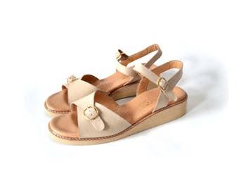 7 Leather sandals, Womens Sandals, Size 75 Sandal, Platform Sandal, Size 7 Sandal, Flat Sandal, Tan Sandal, Nude Sandal, Vintage Sandal