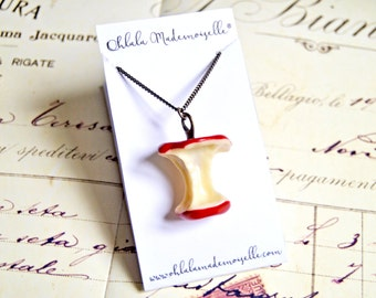 Snow white's inspired poisoned apple long necklace