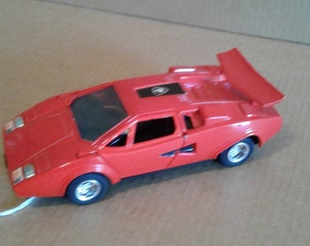 Shinsei Mini Power Red Lamborghini Countach with Opening Scissor Doors #406