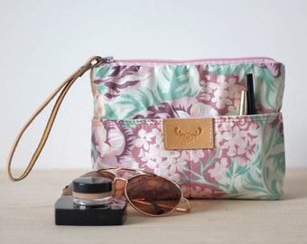 Recycled floral fabric make up bag / cosmetic case / cosmetic bag / bridesmaid gift / small pouch / toiletry bag