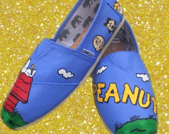 Peanuts Toms (Charlie Brown Toms) Peanuts gang. Snoopy shoes. Can be made into Peanuts Vans or Peanuts Converse.