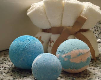 Basic Bath Bomb NO Jewelry Set of 4   Size 60mm (shown in front)