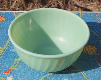 Fabulous Vintage Jadeite Swirl Mixing Bowl by Fire King