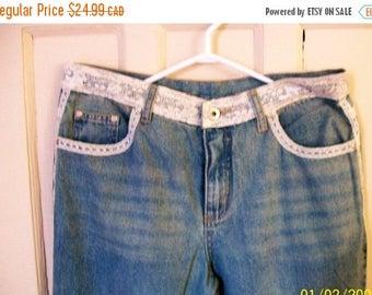 Retro women's jeans - 725 jeans - 32x 32 jeans  - size 13 - bluejeans - lace bluejeans - lace trim jeans - bell bottom jeans - jeans - 90s