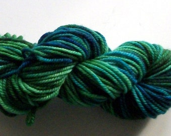 Hand dyed merino cashmere nylon superwash yarn worsted weight merino cashmere yarn 87 yds.(80 m)