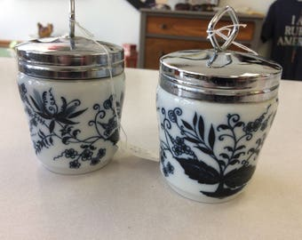 Vintage lot of 2 blue onion porcelain jars with metal lids.