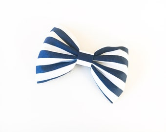 Navy stripes bow