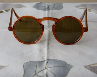 True Vintage Rare Kabroloid Brown Plastic Round Circle Sunglasses. Made in England.50's