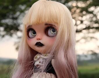 Nicloe is Looking for love Ooak  custom blythe by takudaaahouse