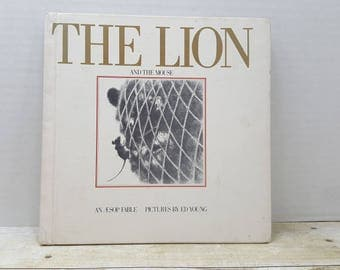 The Lion and The Mouse, 1980 , An Aesop Fable, Ed Young, vintage kids book
