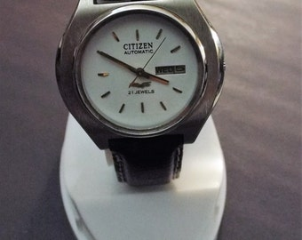 Vintage Citizen Automatic Watch.  Day/date function