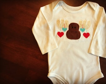 Moose Heart Bodysuit, Woodland Baby Outfit, Valentine's Day Baby Outfit, Valentine's Day Onesie, Baby Shower Gift, Newborn Baby Present