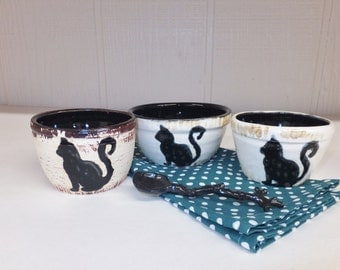 One Cat Prep Bowl, Handmade Pottery Bowl