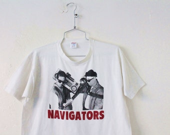 LARGE Vintage 1980s THE NAVIGATORS Soft and Thin Graphic T-Shirt