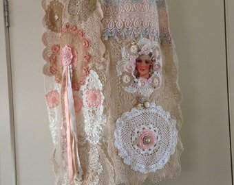 Stunning Dollie lace scarf