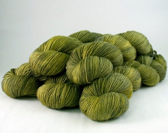 366 superwash merino singles Yarn 'Olive-64'