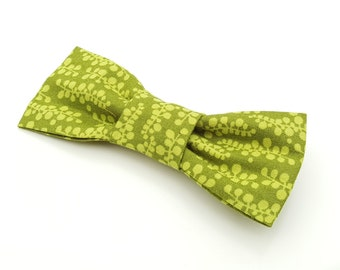Small Bow Tie - green leaf