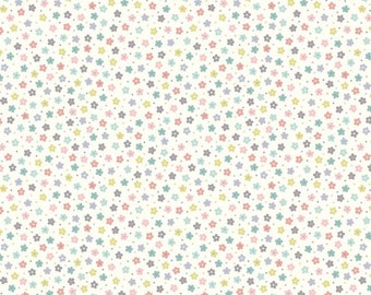 Lewis & Irene Salisbury Spring Patchwork Quilting Fabric A206.1 Little multi daisies on white