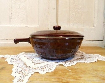 MARCREST Daisy & Dot Covered Casserole Dish-Ovenproof-Serving Bowl-USA Art Pottery-Brown Stoneware-Country Decor-Orphaned Treasure-102616C