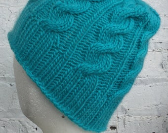Cable Knit Cap (Blue)