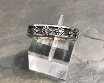 Size 8, Vintage sterling silver handmade flower ring, 925 silver sunflower band, stamped 925 TBSA