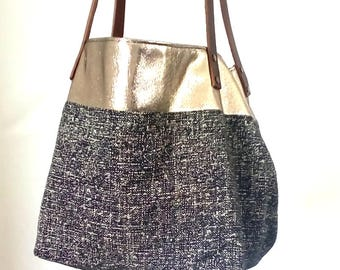 Mottled black Tote and band Golden old gold, leather handle