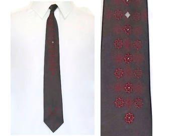 Vintage Skinny Tie,Two Tone Burgundy Necktie,Polyester Trevira® Wash and Wear Tie,Narrow Width Hipster Tie,Dark Red Ombré Tie,Slim Retro Tie