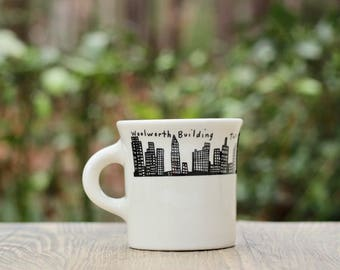 Vintage Homer Laughlin New York City Diner Mug / NYC Cup / Manhattan Skyline Stoneware Cups / Twin Towers Cup / Manhattan Diner Mug