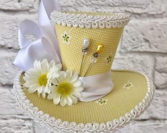 Daisy Mini Top Hat, Yellow fascinator, Tea Party Mini Top Hat