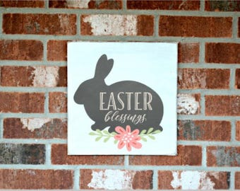 Easter decor- Easter Bunny-Happy Easter-Wall decor-Wood signs-Custom wood sign-Bunny Sign