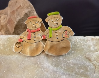 Mr. and Mrs. Snowman Cute Vintage Festive Holiday Pin