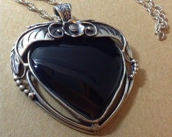 Sterling silver onyx heart pendant and chain
