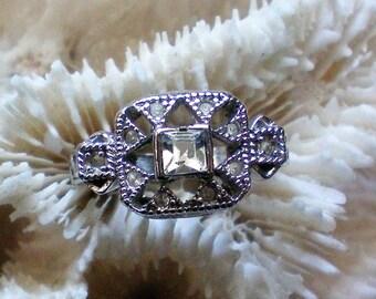 Silver tone CZ Ring – Size 7 - 5291