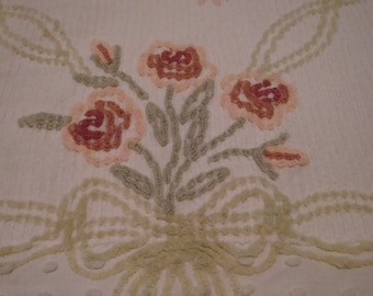 """FREE SHIPPING Vintage Chenille Bedspread 89"""" X 108"""""""