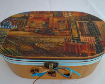 Cafe scene decoupage and applique oval wooden box, suitable to store jewellery, keepsakes, treasured items, and bits and bobs.