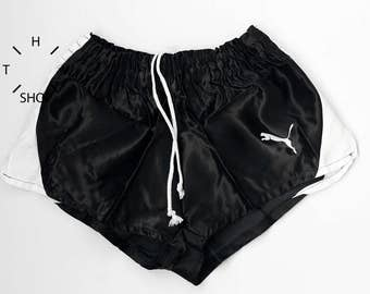 NOS Vintage PUMA shorts / Unisex sports athletic pants / Deadstock black white nylon shorts / Kids children womens youth / Made in Italy 70s