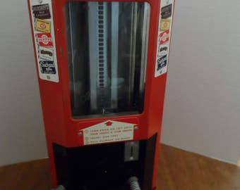 Vintage coin op, Candy Machine 1 cent Select-O-Vend_with Key, ca. 1945
