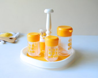 Vintage Condiment Caddy. Mod Daisy Flower Pattern. Retro Plastic Kitchenwares. Schoolbus Yellow and White.