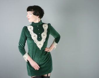 EMERALD green VELVET dress with lace trim and pearly buttons - 60s 70s VICTORIAN inspired gothic mini dress - gothic lolita - S