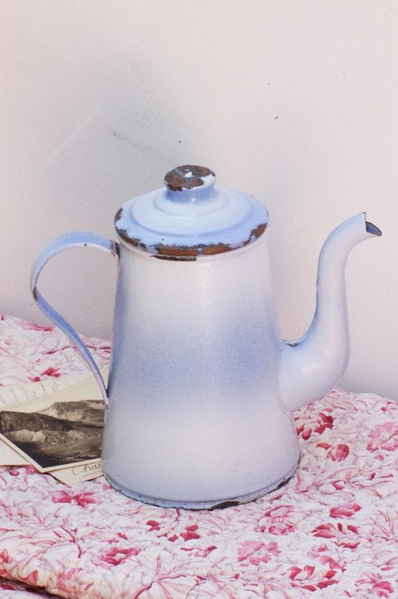 French vintage cafetière émaillée blanche et bleue théière