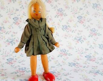 Vintage Polish wooden doll | Joli doll | Peg doll | Vintage doll | Wooden doll | Khaki dress red feet