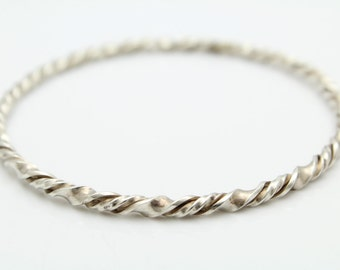 """Vintage Twisted Tribal-Style Bangle in Sterling Silver 8"""". [12176]"""