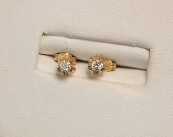 Delicate Diamond 14k yellow gold stud earrings