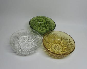 Anchor Hocking Star and Cameo Medallion Bowls ~ Group of 3 ~ Amber - Clear - Emerald Green  ~ 8 inch Bowls ~ Retro Kitchen ~ Farmhouse