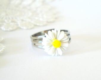 Little Daisy Ring, Feminine Ring, Flower Jewelry, Summer Necklace, Gift for Her
