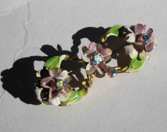 Vintage 1950s enamel and rhinestone floral wreath brooch